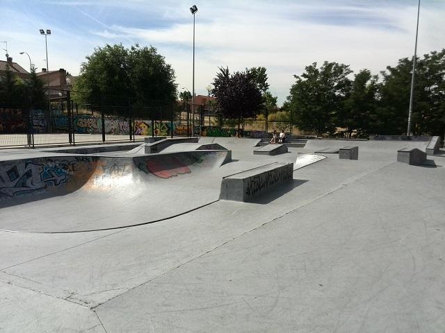 Bowl y zona street Boadilla skatepark