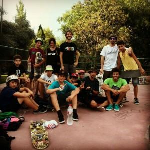 Turistas skaters vienen a Valencia a patinar Bunker skatepark Roma en Valencia