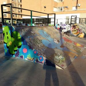 The-simpsons-graffiti-urban-art-skatepark-ramp-paintings