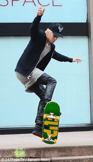 foto-de Justin-bieber-posando-skater-skateboarding-poser