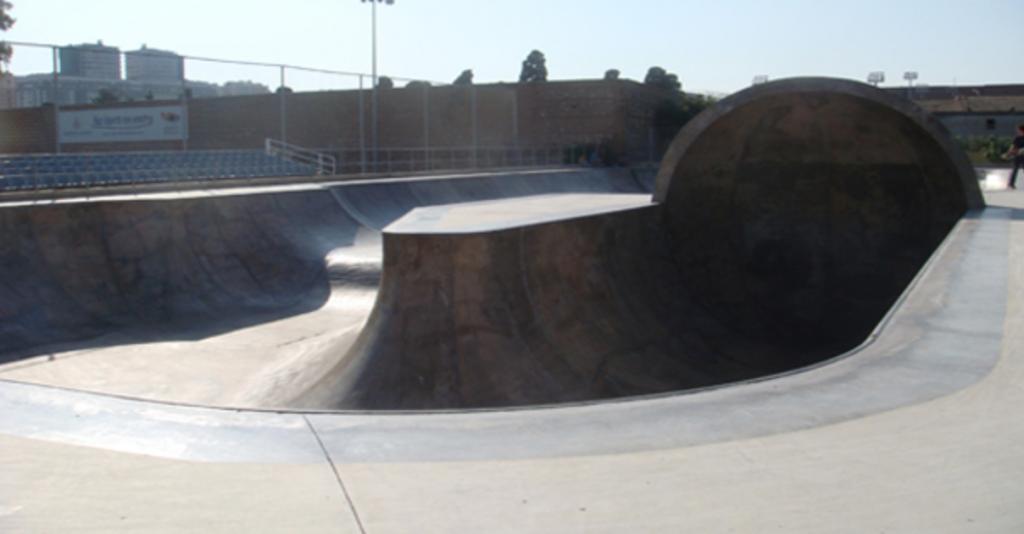 foto-skatepark-betero-virgen-del-carmen-valencia-rampa-hi-ha-skateboarding-sex-and-skate-and-rocknroll
