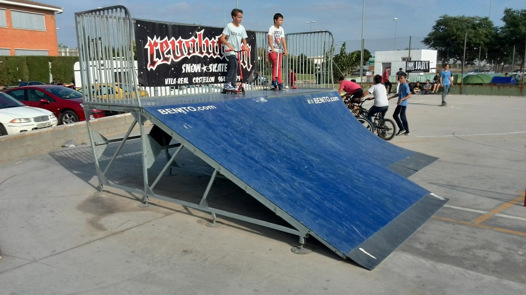 Plano inclinado y quarter Villarreal skatepark