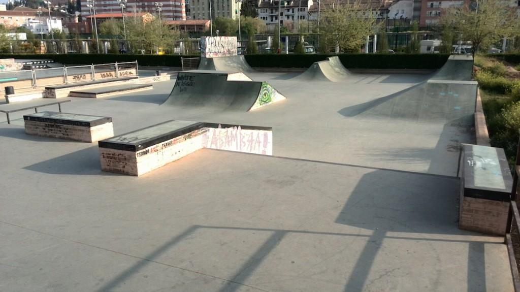 Fotos Granada-bola-de-oro-street-skatepark