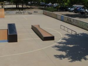 Alaquás-skatepark-rail-cajon