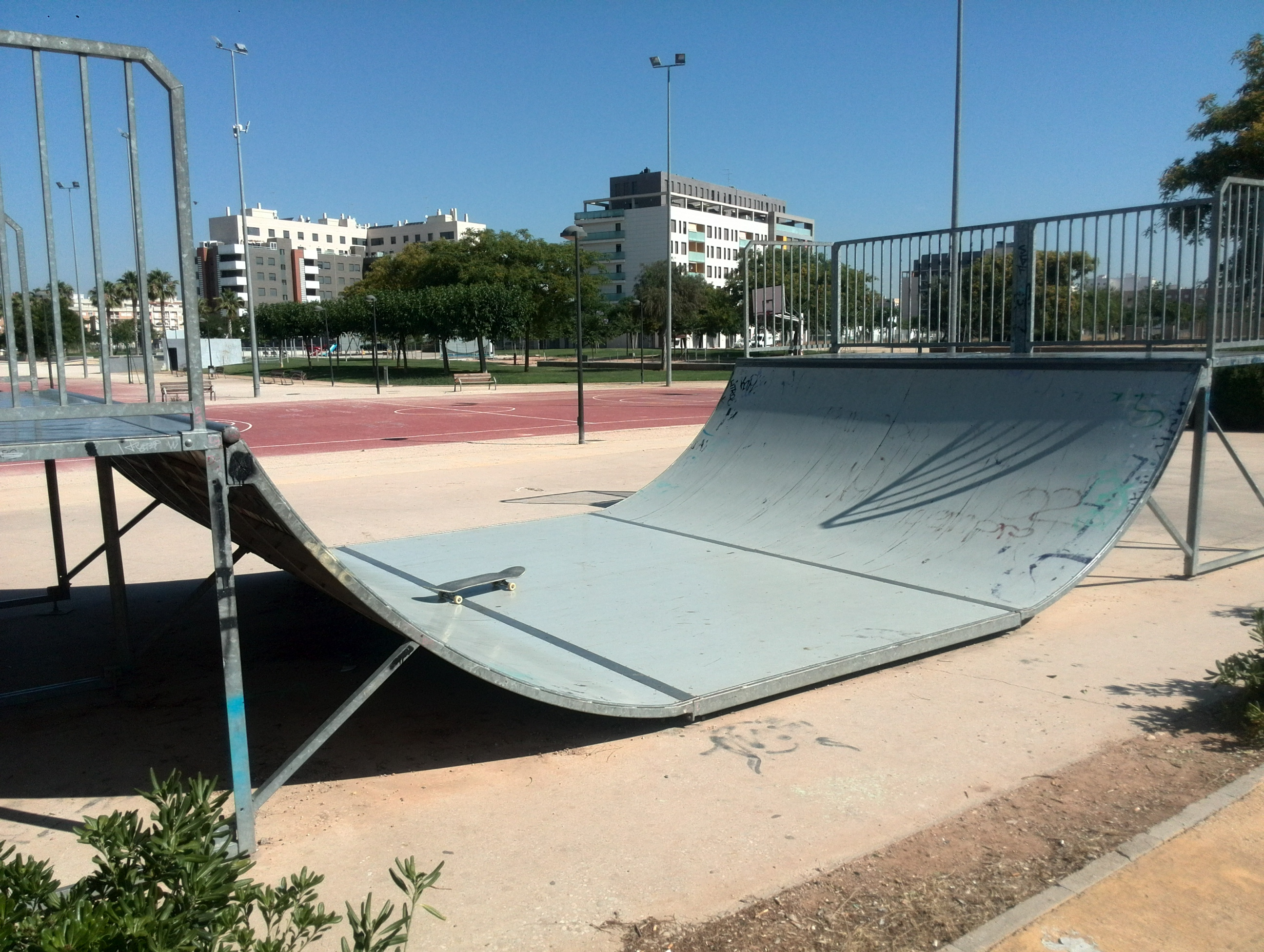 Albal mini ramp sex and skate and rock n roll - Toyota pista silla ...