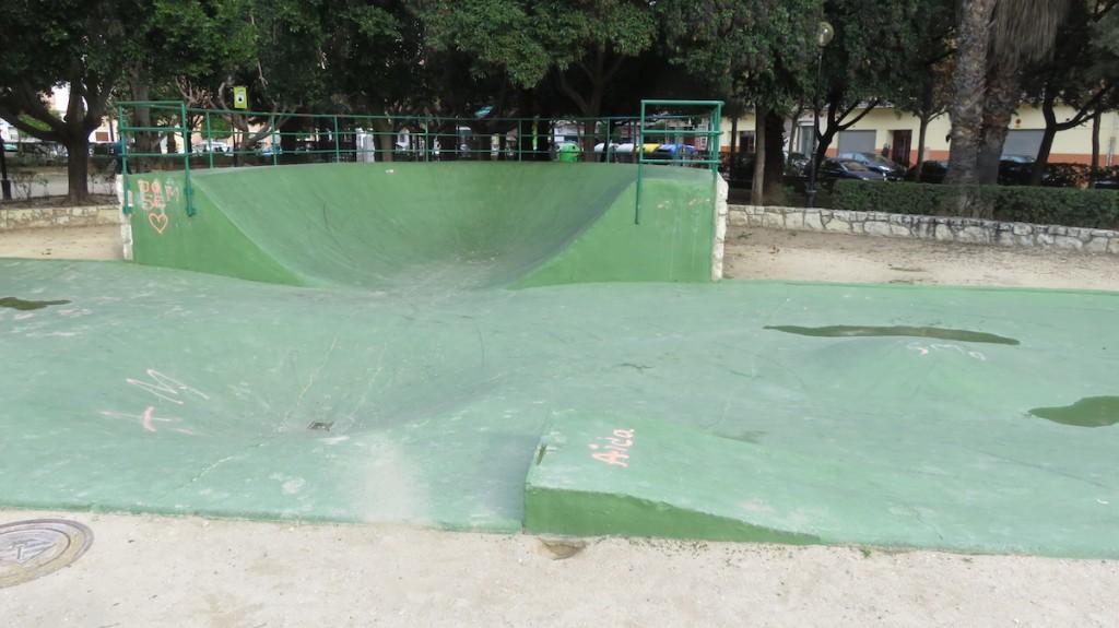 skatepark-alzira-alquenencia-foto-vista-perfil