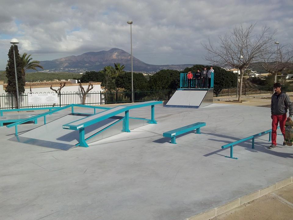 skatepark-Benitatxell-rails