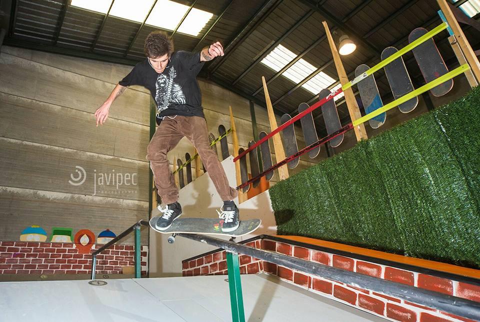 south-park-indoor-skatepark-street-2