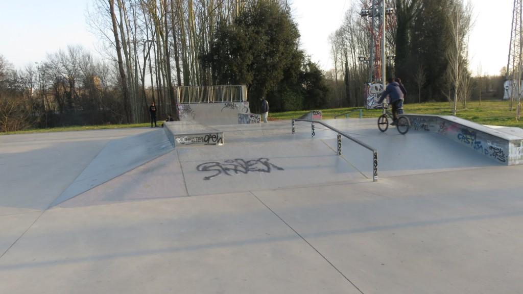 skatepark-Girona-001-foto-sex-and-skate-and-rocknroll