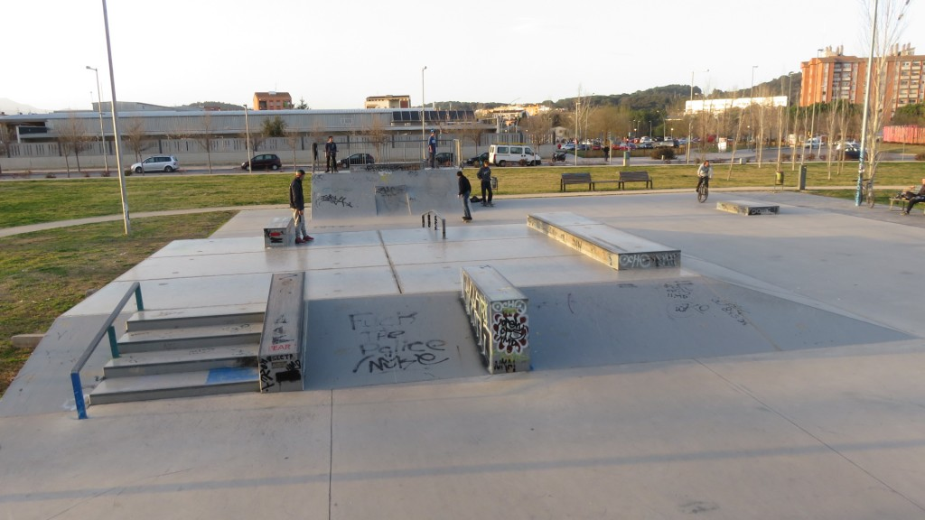 skatepark-Girona-3-foto-escaleras-sex-and-skate