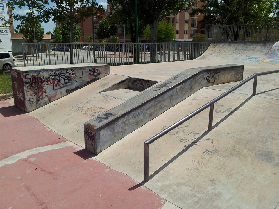 Skatepark-Albacete-Eurogap-hubba-rail