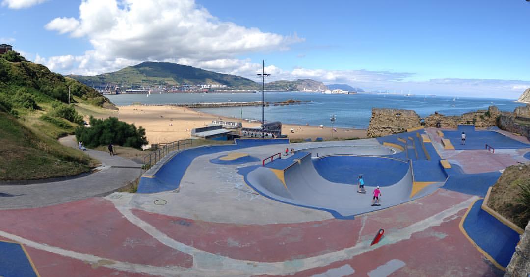 Foto-la-kantera-skatepark-lente-skateboarding
