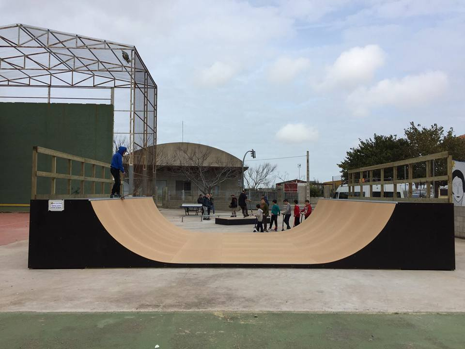 miniramp-madera-skateboarding
